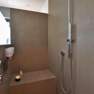 Hochwertig saniertes Generationenbad: Mehr-Generationenbad mit 12 m²